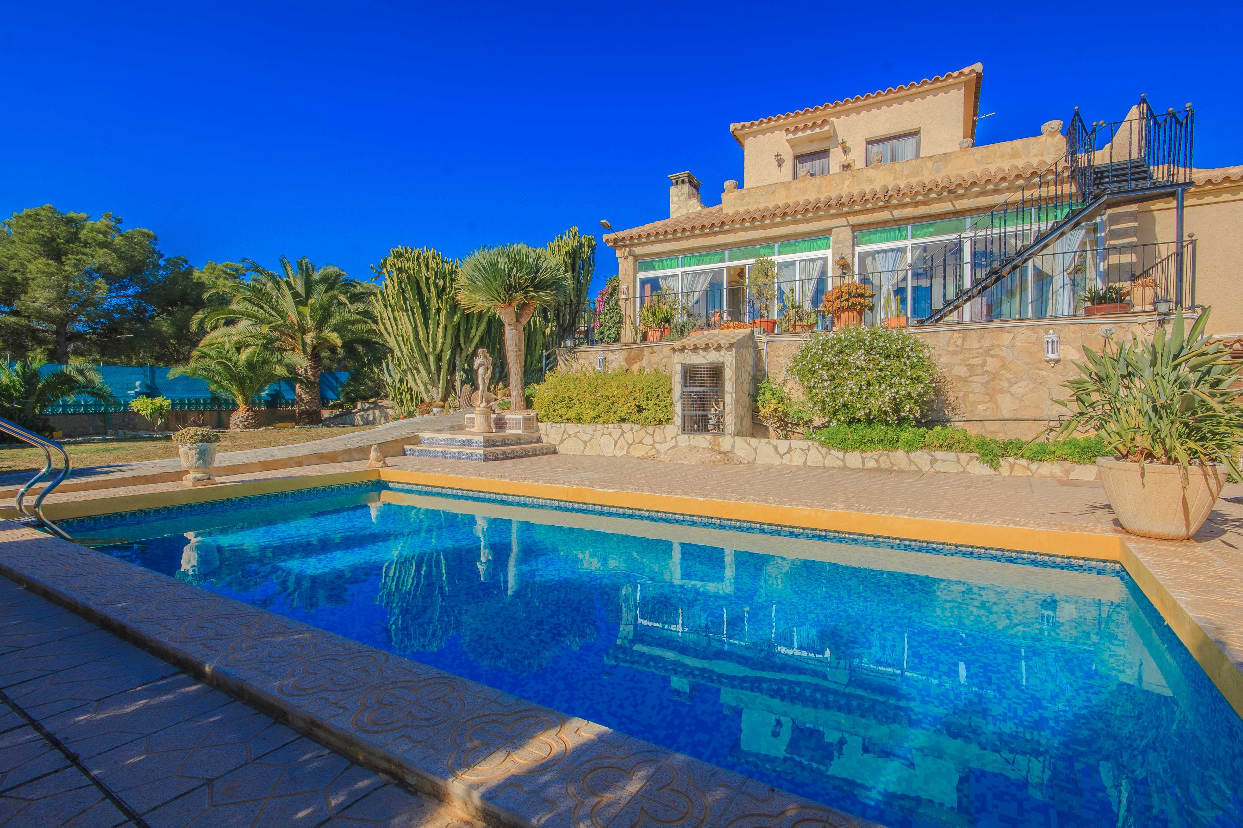 5 bedroom Villa in Benidorm